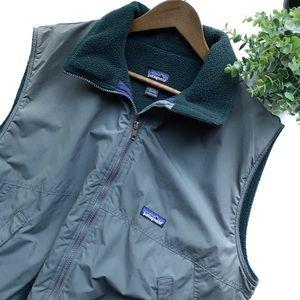 Patagonia | Grey/Green zipper vest